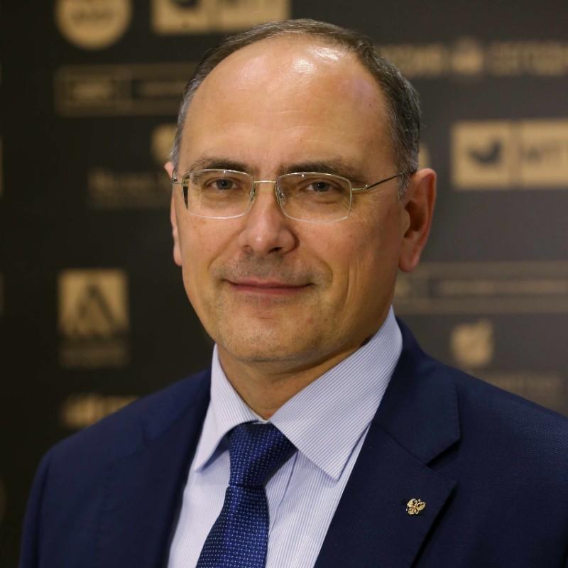 Гусаков Владимир
